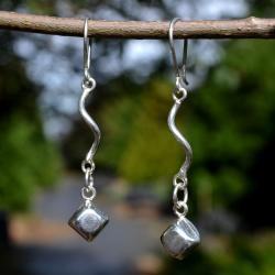 Zilveren oorbellen Kiss